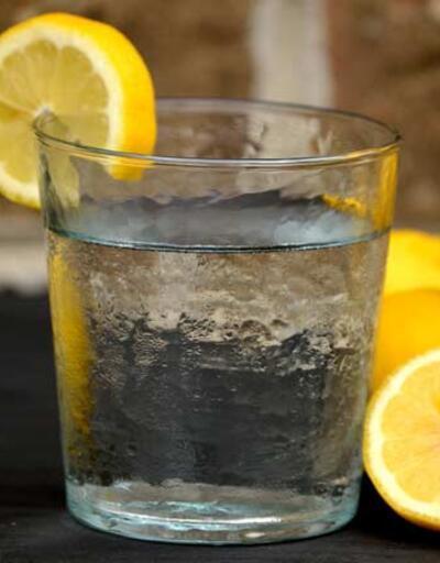 Limonlu su içtiğimizde vücudumuzda neler oluyor?