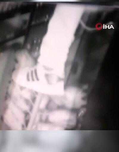 Tavandan girdiği büfeyi soydu