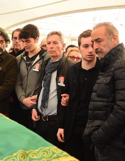 Yılmaz Erdoğan, Demet Akbağ'ın oğlu Ali Çika'yı böyle teselli etti