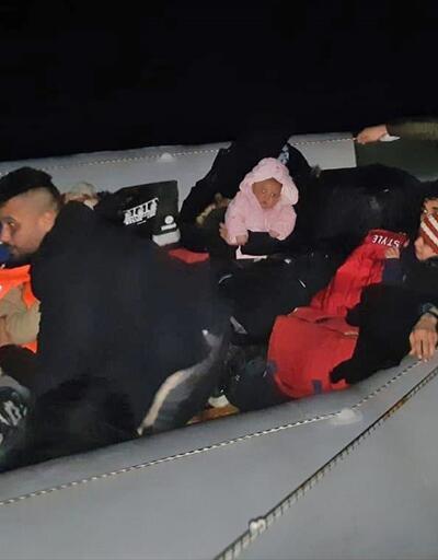 Lastik botta 22 göçmen yakalandı