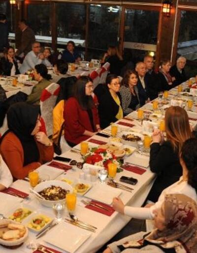 Balçova'da şehit yakınları onuruna yemek verildi
