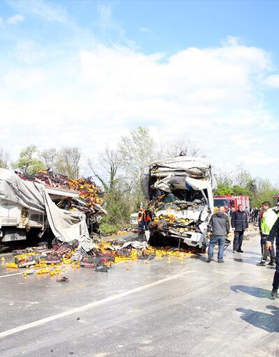 TEM'de zincirleme kaza: İstanbul yönü ulaşıma kapandı