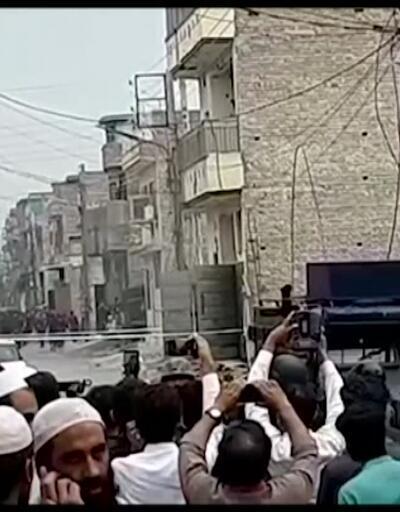 Pakistan'da teröristlerin sığındığı bina havaya ıçuruldu