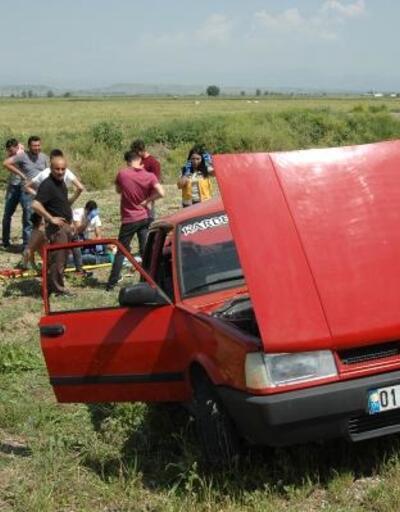 Hurdaya dönen araçtan hafif yaralı çıktılar