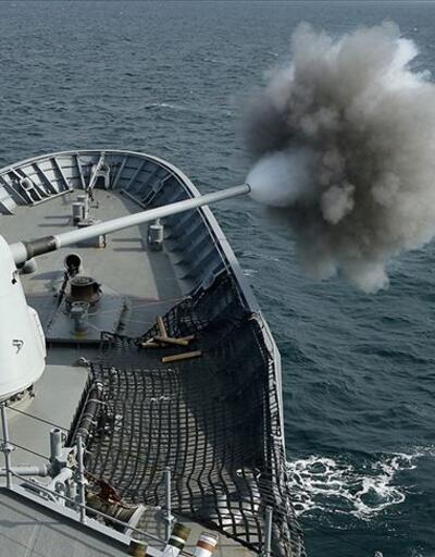 Türk donanmasından gövde gösterisi