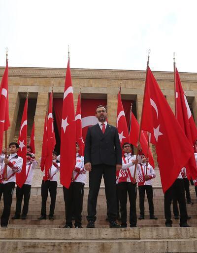 Bakan Kasapoğlu ve beraberindeki heyetten Anıtkabir'e ziyaret