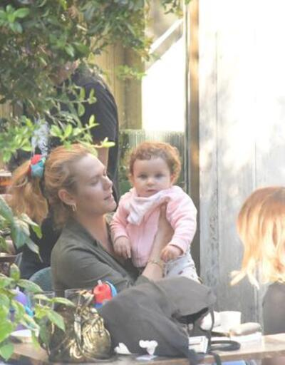 Aslı Orcan ve Yetkin Dikinciler'in kızı Lal 1 yaşında