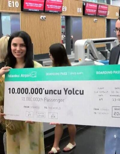 10 milyonuncu yolcuya sürpriz karşılama