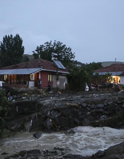 Ankara'da sele kapılan üç kişi hayatını kaybetti