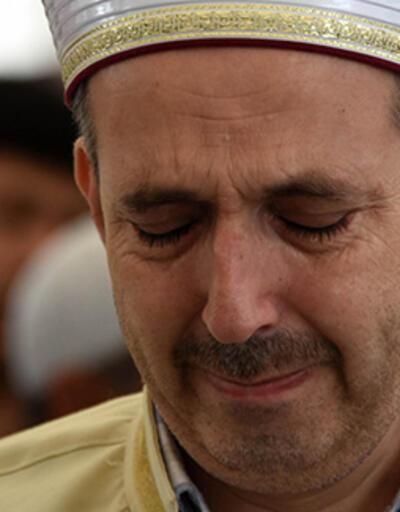 Müftü, gözyaşları içinde kazada ölen kızının cenaze namazını kıldırdı