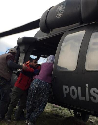 Yıldırım düştü, yaralandı. Helikopterle kurtarıldı