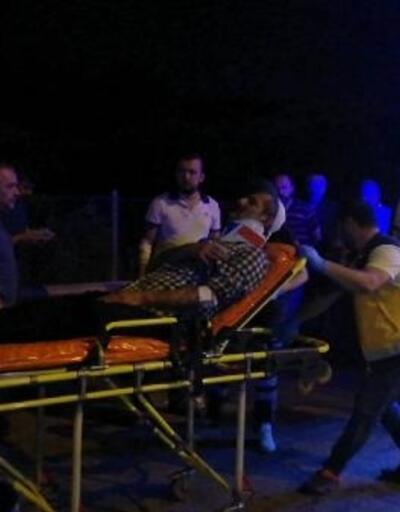 TEM Otoyolu'nda kamyon minibüse çarptı: 10 yaralı