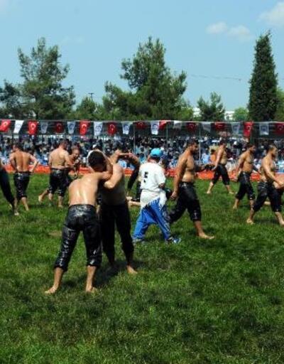 Hünkar Çayırı Yağlı Güreşleri'nde kıyasıya mücadele