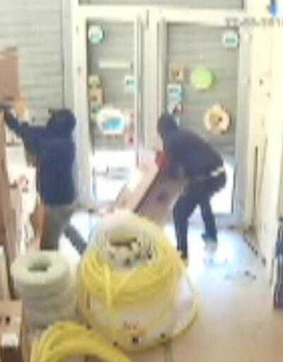 10 ayrı iş yerinden soygun yaptılar