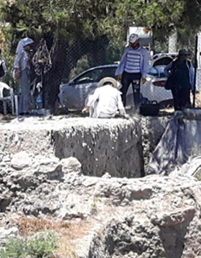 Başıboş inek, 112 Acil Yardım İstasyonu'na girdi
