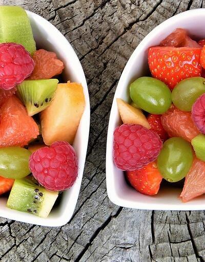 Yazın 4-5 porsiyon sebze, 2-3 porsiyon meyve tüketin