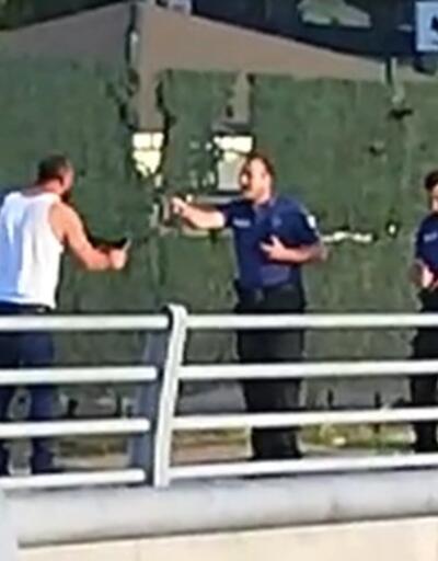 Kendisini uyaran polise bıçak çekince gözaltına alındı