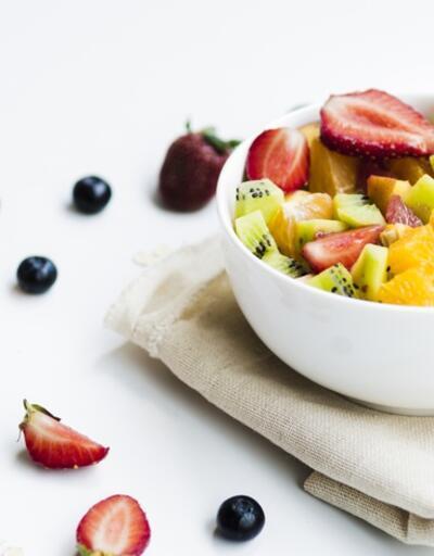 Meyveyi böyle yerseniz kilo aldırıyor