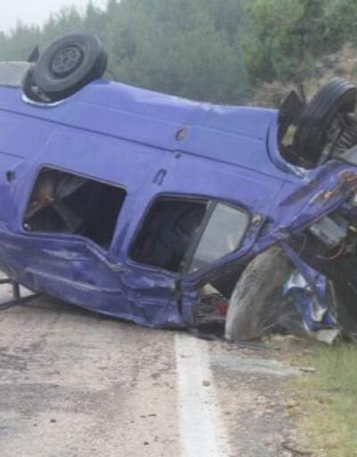 Kozan'da işçi taşıyan minibüs devrildi: 1 ölü, 5 yaralı