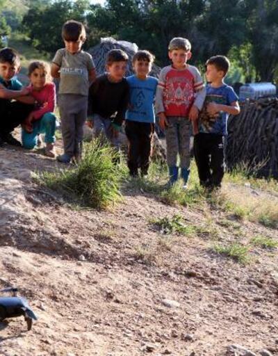 İlk kez drone gören çocukların şaşkınlığı