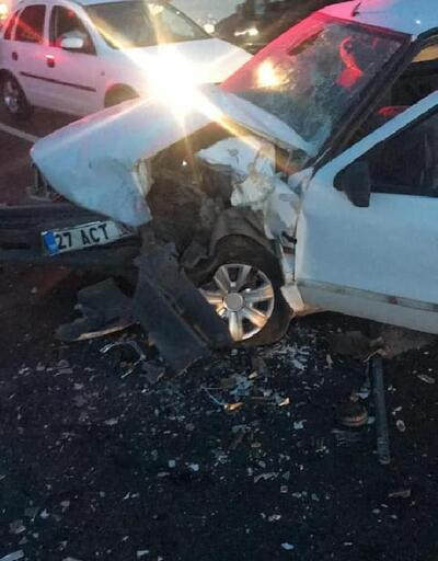 Nizip'te iki otomobil çarpıştı: 11 yaralı