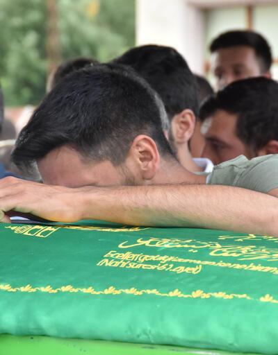 Kazada ölen, aynı aileden 3 kişi gözyaşları ile toprağa verildi