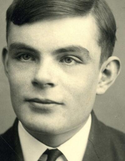 Alan Turing kimdir? 50 sterlinlik banknotlarda resmi olacak