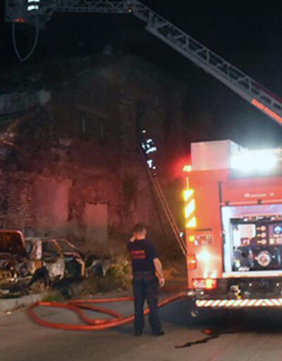 Tarihi fabrikada yangın