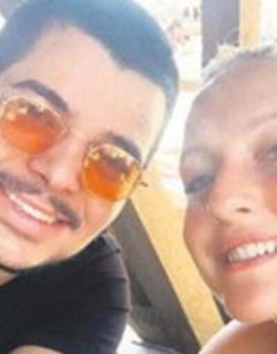 Eremcan Acar ile sevgilisi tatilde