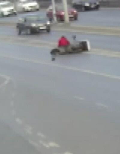 Motosiklet sürücüsüne çarpıp kaçtı