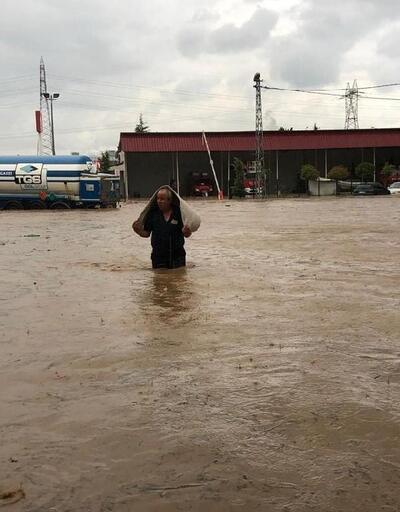 Ereğli'de dere taştı; ev ve iş yerleri su altında