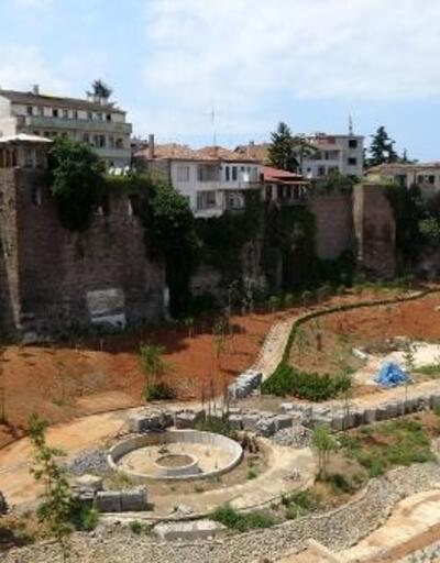 Tarihi köprüye hasar veren yol durduruldu