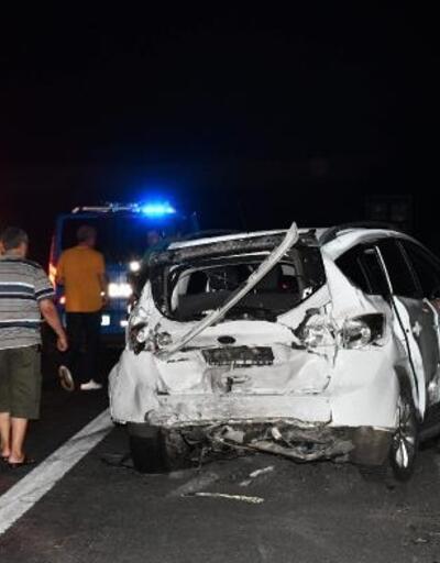 Yoldaki lastik zincirleme kazaya yol açtı: 2 yaralı