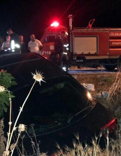 Direğe çarpan otomobilde 3 kişi yaralandı