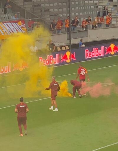 RB Leipzig - Galatasaray maçında meşale anonsu