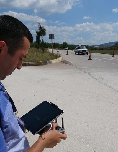Karabük'te 'drone'lu emniyet kemeri uygulaması
