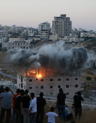 İsrail Doğu Kudüs'te Filistinlilere ait binayı patlayıcıyla yıktı