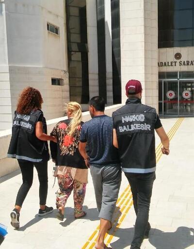 Edremit'te uyuşturucu ticareti şüphelisi çift tutuklandı