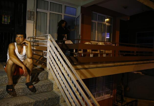 Deprem Ege'de panik yarattı