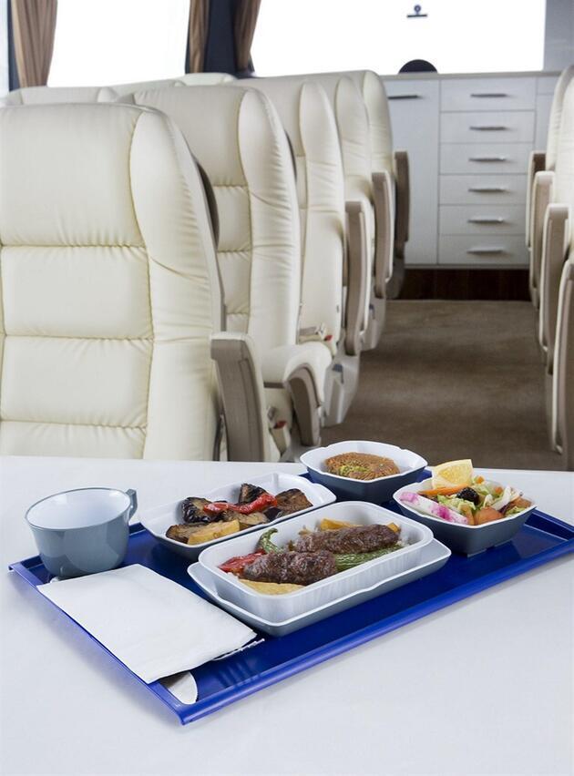 Uçaktan daha konforlu otobüs 'Uçakbüs': Yolculara masaj bile var
