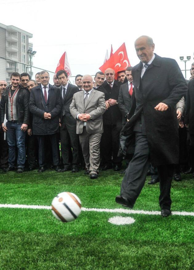 Devlet Bahçeli ile futbol sohbeti