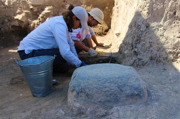 Amasya'da 2500 yıllık Pers Sarayı: Sütunları bulundu