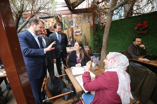 BakanAlbayrak, Üsküdar'da esnaf ziyaretinde bulundu