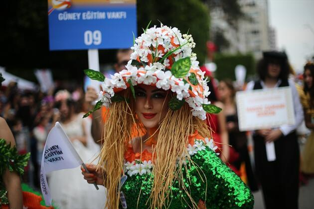 Adana'da Portakal Çiçeği Karnavalı coşkusu