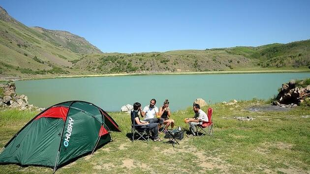 Bitlis'te 'yeryüzü cenneti' Nemrut Krater Gölü