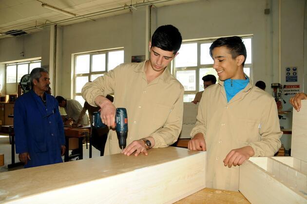 Fabrika gibi okulun cirosu 500 bin lira