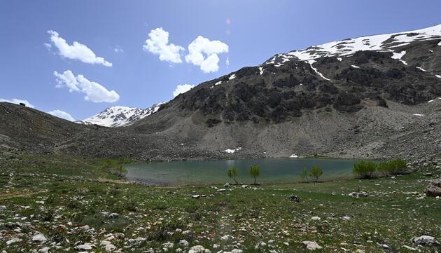 Toroslardaki doğal güzellik Yeşil Göl