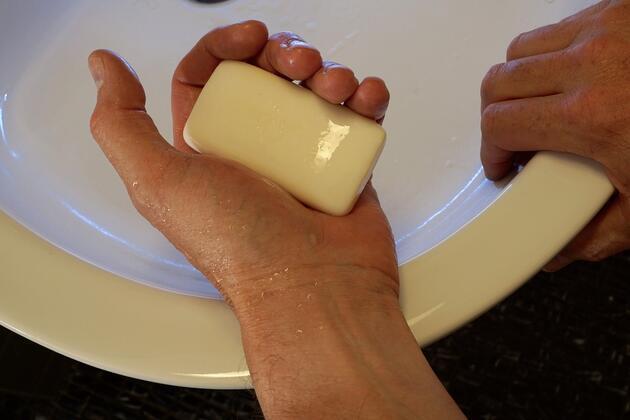'Cep telefonunda klozetten çok bakteri var'