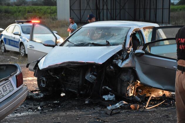 İzmir'de feci kaza: 3 ölü, 1 yaralı