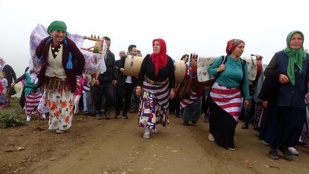 Trabzon'da yayla göçü şenliğe dönüştü